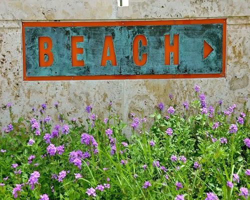 beach-sign-casa-harbor